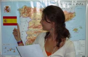 Isabel con mapa